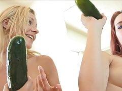 Preciosa Anglosajona Gf Anal Invasion Vaginal Cucumber Veggi