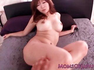 豐滿的長條日本熟女面部化