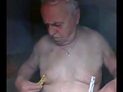 Grandpa play on webcam   Porn-Update.com