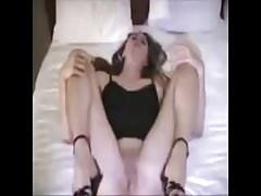 Femme Amateur Obtient La Crème Dans Bare Gangbang Bareback