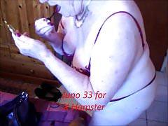 Babcia przygotowuje się do sesji seksu