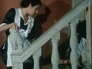 Hairy Italian Babes video: la bonne se fait prendre le cul