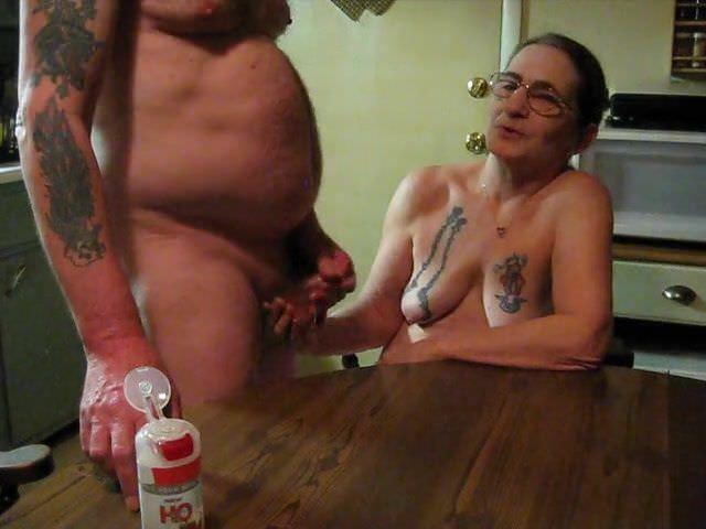 Порно с трансами большими сиськами