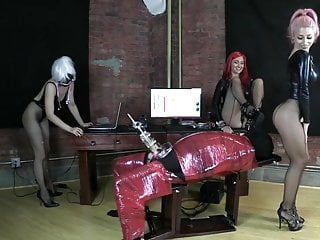 Bdsm Face Sitting xxx: No escape milking 2