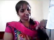 Amateur Desi MILF in pink sari posing on camera.mp