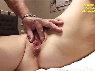 Fingering Webcam Wife video: Baiser et remplie de mon foutre