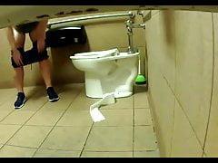 Ragazza sexy da toilette 22