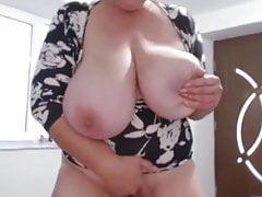 Obrovské prsa zralé na Cam 2