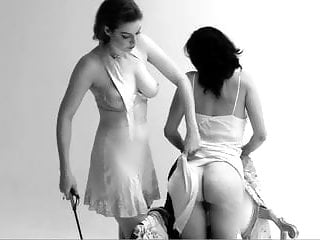 Babes Softcore porno: La Fessee
