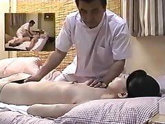 Fotocamera nascosta nella camera della sala massaggi 01