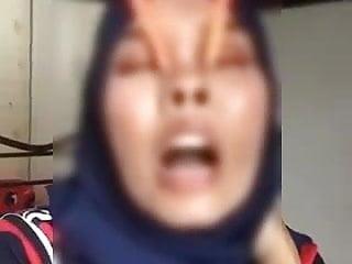 Asian Bdsm Teen video: Tudung Melayu Nose Hook