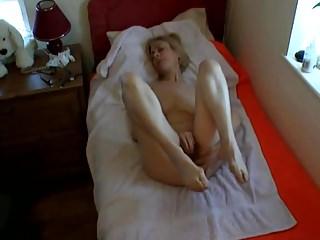 Amateur Masturbation Hidden Cams video: Everyone's favourite mature caught masturbating 3