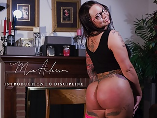 Spanking Whipping Clips4sale video: Mia Anderson