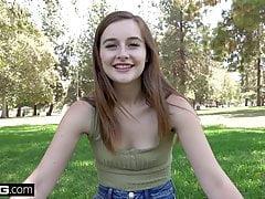 Real Teens - Tiny teen Danni Rivers pov sesión de sexo