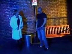 Trisha Annabelle uprawiająca seks losowy na przystanku autobusowym