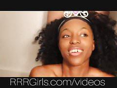 Amateur schwarzes Mädchen in riesigen Bukkake