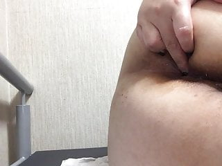 Gaping Asian Japanese video: Japanese bbw plays with her virgin ass with an anal plug