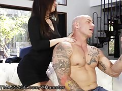 Teen Lacy Channing baise pour masseuse position