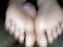 Francuska dziewczyna footjob solejob