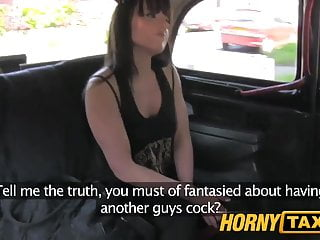 hornytaxi已婚的女人需要一個很好的硬他媽的