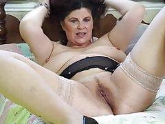 Die vollbusige britische Mutter Gilly braucht einen guten Fick