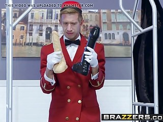 Cumshots Milfs Creampie video: Brazzers - Milfs Like it Big - The Cock Starved Slut scene s