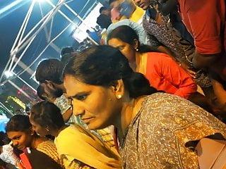Voyeur Indian Big Ass video: Desi pervert caught in the act 3
