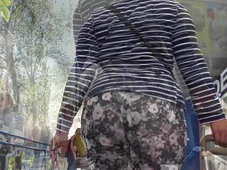 Voyeur Big Ass Tights video: big ass curvy maid in tights GLUTEUS DIVINUS