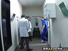 La scena Brazzers - Doctor Adventures - Naughty Nurses con protagonista