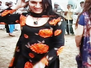 Outdoor Shemale Hd Videos Small Tits Shemale video: Desi pakistani shemales dance and boobs show