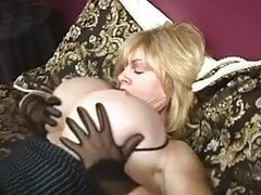 Hige Tits GILF Patty Plenty Masturbates