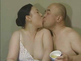 Japanese Bbw Softcore video: Japanese Tongue Kissing - Middle-Aged Couple Foreplay