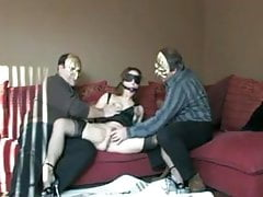 Slut v prdeli starých kluků