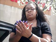 La signora Yonda Purple Toenails