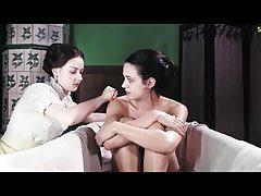 Asie Argento Nude scéna ve filmu Dracula ScandalPlanet.Com