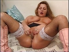 Another pretty plump milf solo