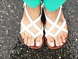 Tenishia Hen Sexy Toes