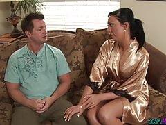 Glam massage gode di un massaggio erotico e saponoso