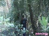 Tettone scopata nel bosco