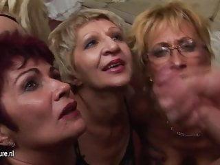 一個特殊的,淫亂的成熟團體性愛派對