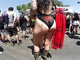 Plump rave booty candid