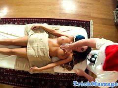 Busty Massage Amateur von ihrem Masseur gefickt