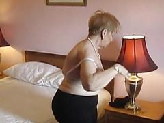 Tante Sue hinter den Kulissen vor dem Fotoshooting