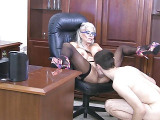 Big Ass Milf Mature video: I love EM YOUNG 18 and 20 years old with hard BOG COCKS