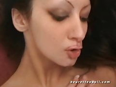 Ziemlich Amateur Babe vor heißem Sperma sodomized