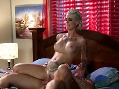 Kleio Valentien Slut Tatoué Baisée Dur Et Facialized!