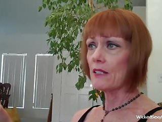 Blowjobs Cumshots video: A Lot Of Cum For Amateur Grandma