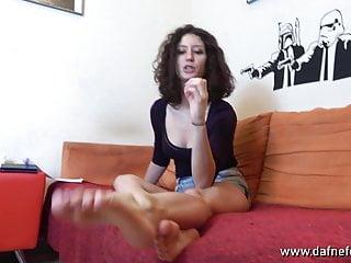 Femdom Foot Fetish porno: koi feet ita