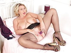 Busty Cougar Camilla Internal Ejaculation Works Her Clean-shaven Fanny