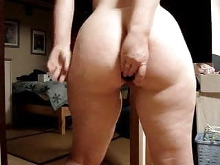Ass playing video...